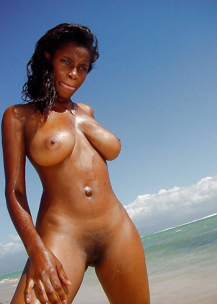 BLACK FEMALES NUDE PERFECT BODY AND PUSSY PICTURES
