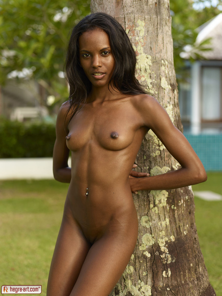 Vulva model valerie nude ebony